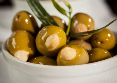 olives with almonds